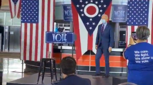 Thumbnail for Biden takes the stage in Cincinnati, Ohio. You can hear and count the number of people clapping.